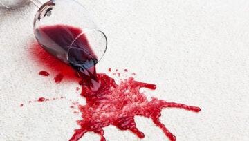 Jak odstranit červené víno z koberce