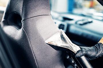 Čistění interiérů aut